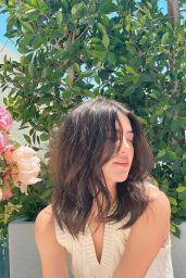 Charli D'Amelio - Live Stream Video and Photos 05/06/2021