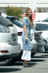 Chrishell Stause - Leaving Her Office in LA 05/07/2021