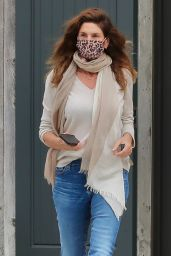 Cindy Crawford Street Style - Malibu 05/10/2021