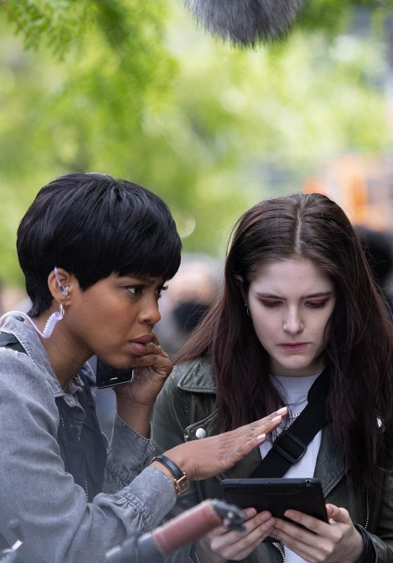 """Danielle Moné Truitt and Ainsley Seiger - """"Law and Order: Organized Crime"""" TV Show Filming in New York 05/12/2021"""