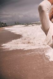 Devon Windsor - Swimsuit Haul Resort 2021