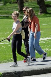 Ella Purnell - Rollerskates With Sammi Hanratty and Sophie Nelisse 05/01/2021