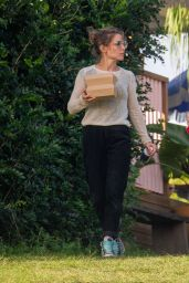 Elsa Pataky - Heads Out for Lunch in Byron Bay 05/25/2021