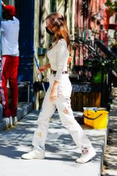 Emily Ratajkowski - Out in NYC 05/06/2021