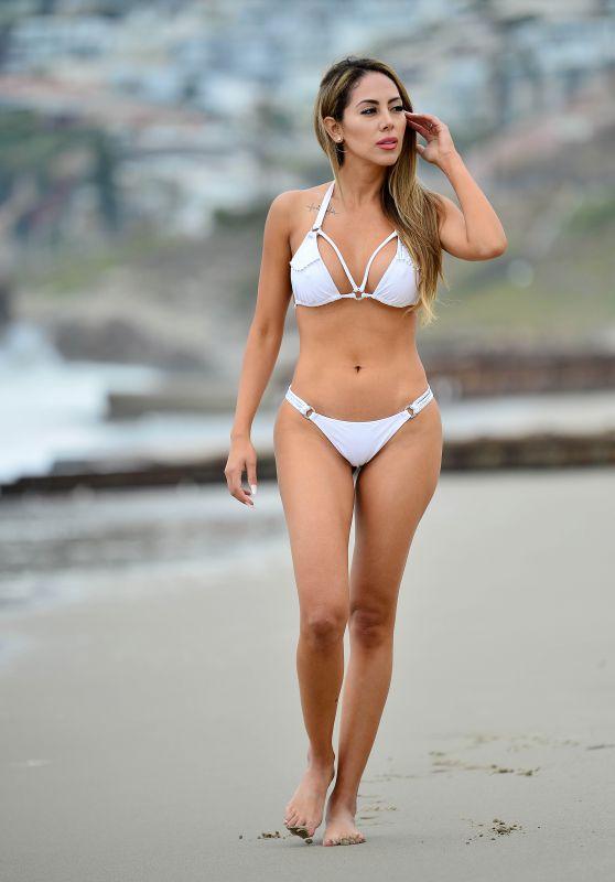 Esther Anaya - Photoshoot in Malibu 05/26/2021