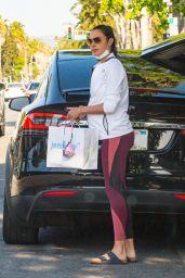 Gal Gadot - Shopping in Studio City 05/11/2021