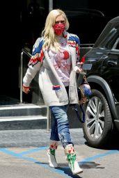 Gwen Stefani at XIV Karats Ltd Store in Beverly Hills 05/12/2021