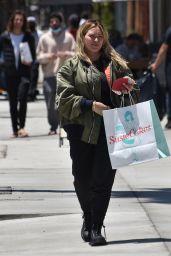 Hilary Duff - Cakes bakery in Studio City 05/21/2021
