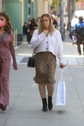 Hilary Duff - Shopping on Rodeo Drive in Beverly Hills 05/19/2021