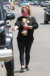 Hilary Duff - Snack Run in Studio City 04/30/2021