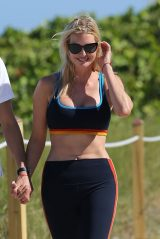 Ivanka Trump in a Sports Bra and Leggings - Miami 05/08/2021