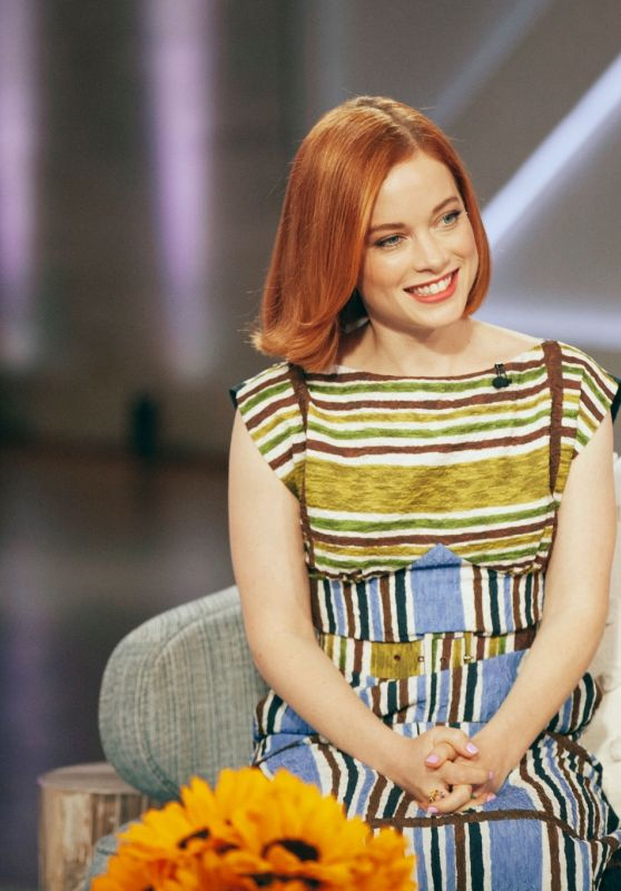 Jane Levy - Kelly Clarkson Show 04/30/2021