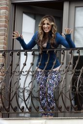 Jennifer Esposito - Filming Ray Romano Directorial Project in NY 05/04/2021