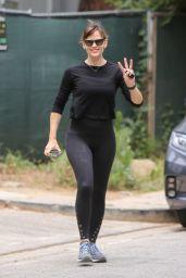 Jennifer Garner Booty in Tights - Brentwood 05/09/2021