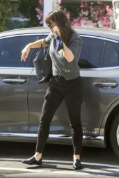 Jennifer Garner in Casual Outfit - Los Angeles 05/05/2021