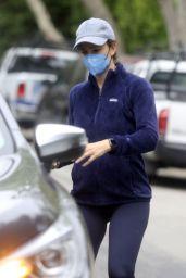 Jennifer Garner - Out in Los Angeles 05/11/2021