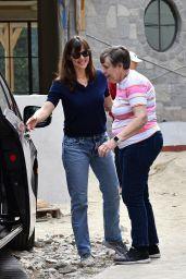 Jennifer Garner With Her Mother - Brentwood 05/25/2021
