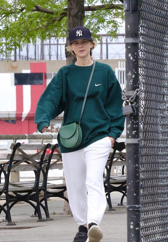 Jennifer Lawrence With husband Cooke Maroney in Manhattan
