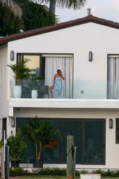 Jennifer Lopez - Watching the Sunset From the Balcony of her Miami Beach Waterfront Mansion 05/23/2021