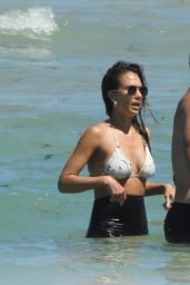 Jessica Alba Enjoying Beach in South Florida 05/09/2021