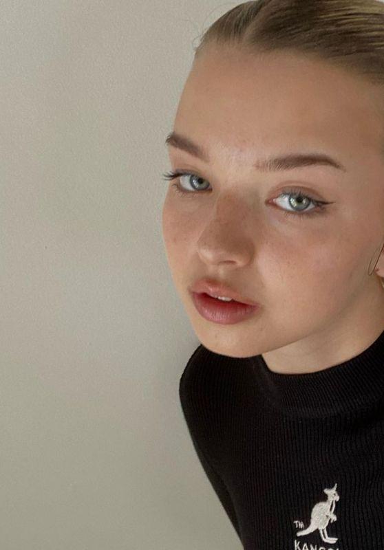 Joalin Loukamaa - Live Stream Video and Photos 05/23/2021