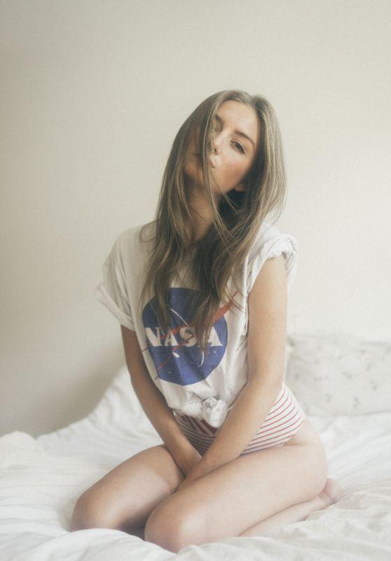 Julia Wulf - Photoshoot August 2016