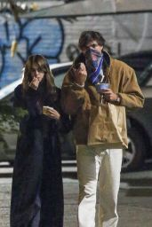 Kaia Gerber and Jacob Elordi - Stroll in New York 05/10/2021
