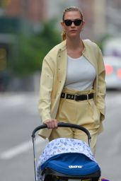 Karlie Kloss - Out in New York 05/23/2021