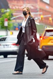 Karlie Kloss - Out in NY 05/05/2021