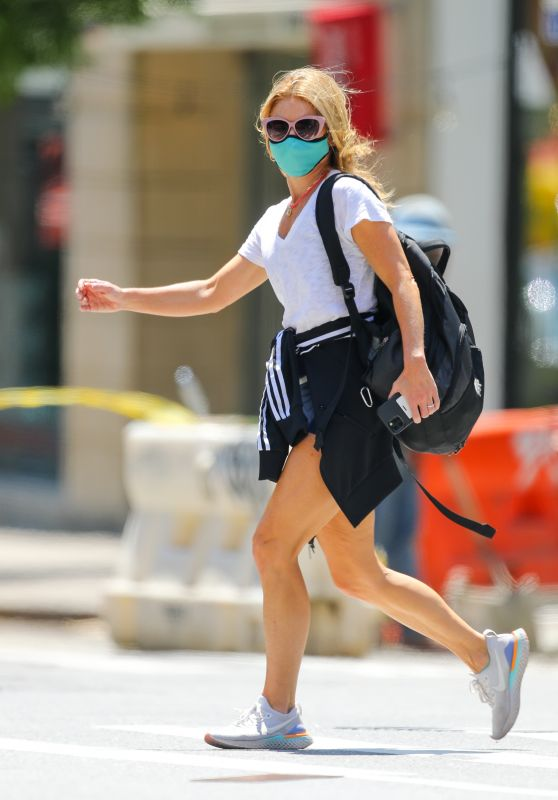 Kelly Ripa - Out in New York City 05/23/2021