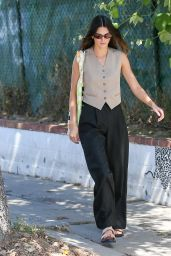 Kendall Jenner Street Style - Los Angeles 05/26/2021