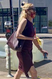 Kirsten Dunst Street Style - Melrose in West Hollywood 05/26/2021