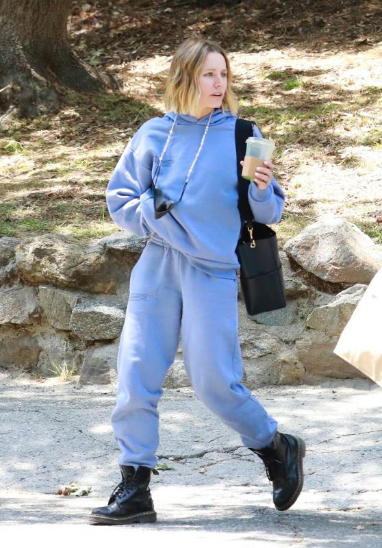 Kristen Bell - Out in Los Feliz 05/07/2021