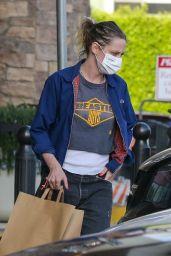 Kristen Stewart - Grocery Shopping in LA 05/10/2021
