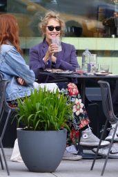 Lauren Hutton - Out in Manhattan's Soho Area 05/04/2021