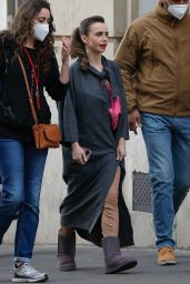 """Lily Collins - Arrives on the Set of """"Emily in Paris"""" in Paris 05/21/2021"""