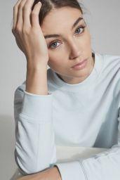 Lorena Rae - Reiss Spring 2021