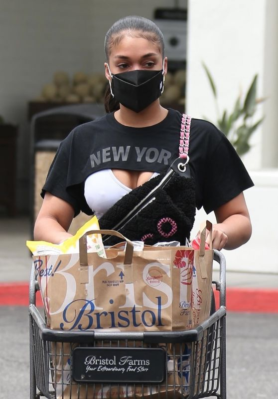 Lori Harvey - Grocery Shopping at Bristol Farms in Beverly Hills 05/17/2021