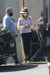 Lori Loughlin - Out in Los Angeles 05/04/2021