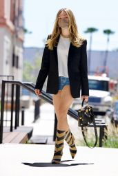 Maddie Ziegler Looks Chic in Daisy Duke Shorts and Boots - LA 04/30/2021
