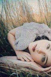 Megan Stott - Photoshoot October 2020