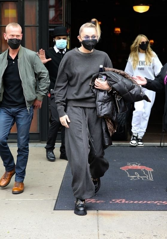 Miley Cyrus in All Black - New York 05/09/2021