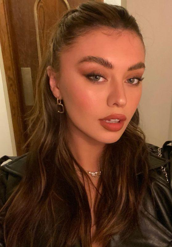 Millie Hannah – Live Stream Video and Photos 05/04/2021