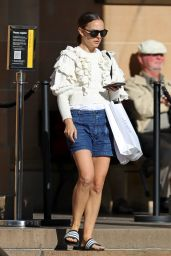 Natalie Portman - Out in Sydney 05/08/2021