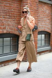 Olivia Palermo - Out in Brooklyn 05/03/2021