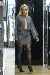 Paris Hilton – Shopping on Rodeo Drive in Beverly Hills 05/12/2021 (III)