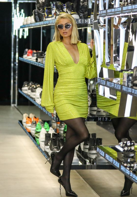 Paris Hilton – Shopping on Rodeo Drive in Beverly Hills 05/12/2021 (IV)