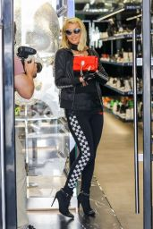 Paris Hilton – Shopping on Rodeo Drive in Beverly Hills 05/12/2021 (V)