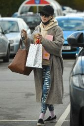 Phoebe Dynevor - Out in Manchester 05/01/2021