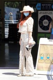 Phoebe Price at the Parking Lot of Petco 05/25/2021